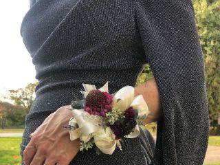 Fleur de lis Florist 5