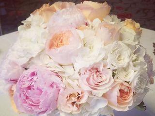 Rhonda Nichols Floral Design Studio 3