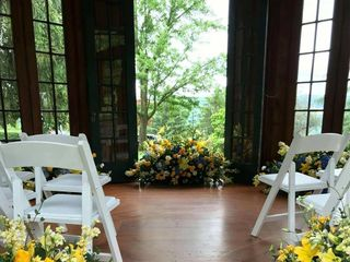 DeLuxe Floral Design by Jessica Powell 5
