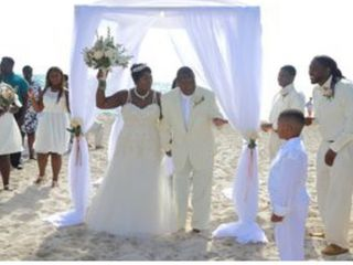 ArcDivine.com :: Miami Acrylic Chuppah Wedding Canopy Arch Rental Plastic Clear Glass 3
