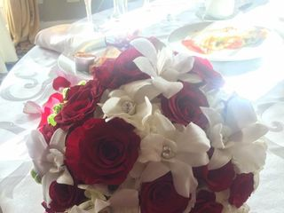 Bed of Roses Florist 2