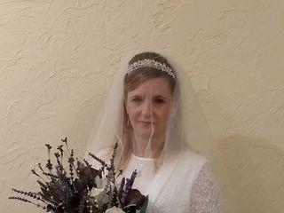 Lyllyan Queen (Little Backyard Wedding Boutique) 5