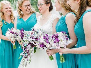 Violets Are Blue {floral design} 4