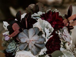 Gardenia floral design 2