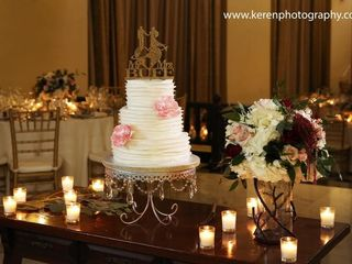 D Lights Cakes And Desserts Wedding Cake Toa Alta Pr Weddingwire