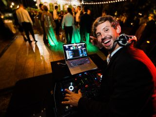 Visualize Entertainment, Inc. - DJ - Lighting - Photo Booth 7