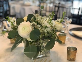 Poppies & Twine Floral Design 6