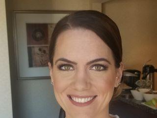 Elizabeth Cook: Makeup Artist 3