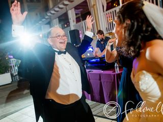 Visualize Entertainment, Inc. - DJ - Lighting - Photo Booth 6