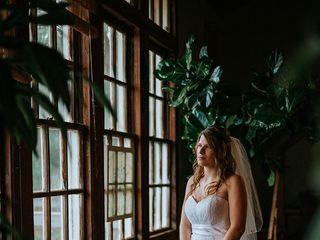 La Boutique de Bridal & Tuxes 1