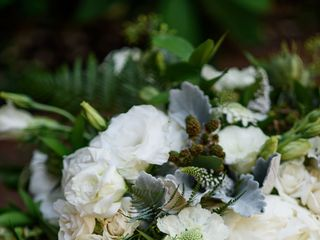 Sophisticated Floral Designs {Weddings + Events} 7