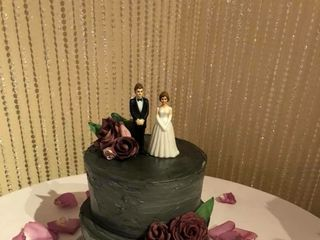 Custom Cakes by Krystle 1