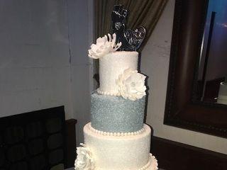 ARTISTIC CAKES 5
