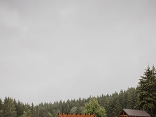 Gorge-ous Weddings at Wind Mountain Ranch 4