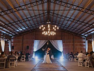 RIG Events and Entertainment, DJ, and Certified Wedding Planner 2