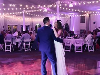 Expert Wedding Productions - DJ / Photo/Video/Officiates/Photo Booth/Flip Books/uplighting/Drones  2