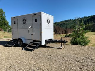 Luxury Restroom Trailers by Privy Chambers 4