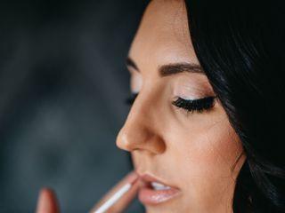 Glamour Cosmetics 4