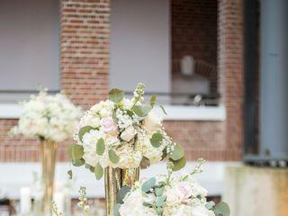 Natalia Liriano Floral & Event Designer 2