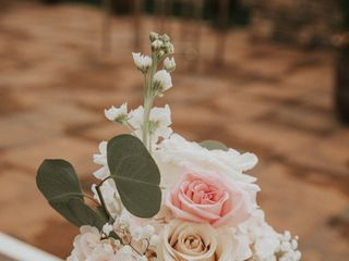 Yumila Wedding and Events floral design 5