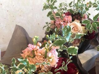 Sweetness & Light Floral Design 7