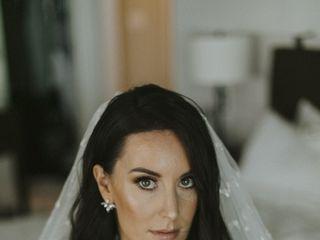 BellaLuxe Hair and Makeup 5