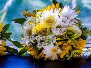 M's Wedding Flowers 2