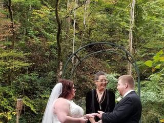 Friendly Falls Waterfall Weddings 3