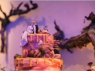 Michele's Corner Wedding Cakes 2