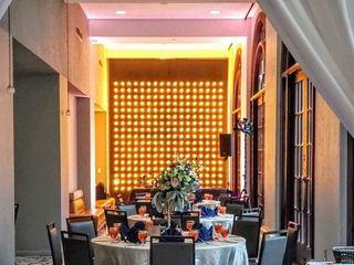 DoubleTree by Hilton Hotel Austin 1