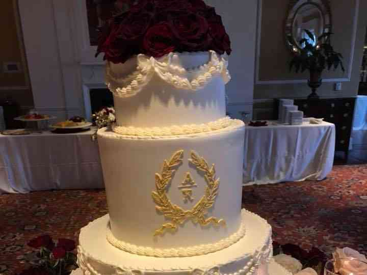 Holiday Market Wedding Cake Royal Oak Mi Weddingwire