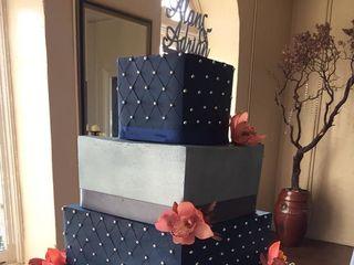 Fleur de Lis  Unforgettable Cakes 3