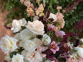 LUX Wedding Florist 3