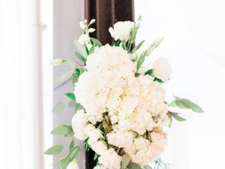 Leslie Hartig Floral Designs 4