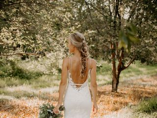 Great Lakes Wedding Gown Specialists 2
