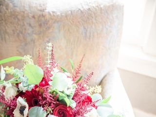 Daisy's Front Porch Flowers, Events & Creative Studio 1