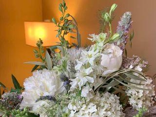 Dahlia Floral Design 3