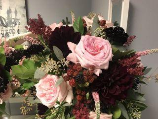 Ivy Lane Floral 1