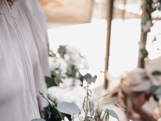 Dahlia a Florist 4