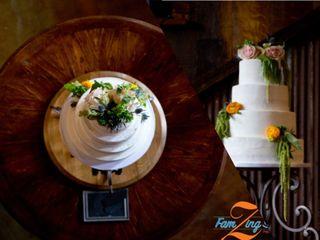 Holly's Cakes LLC 6