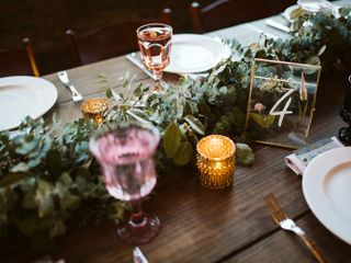 Southern Vintage Table 4