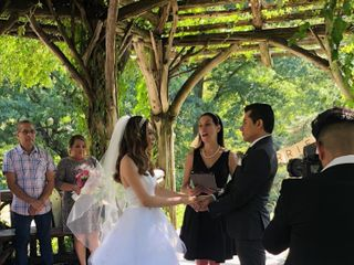 Bilingual Officiant Veronica Moya 3