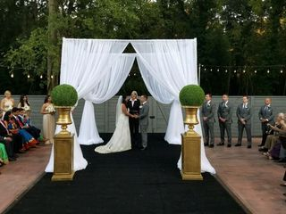 Danielle M Baker- The Wedding Lady- Award Winning Wedding Officiant and Minister 5