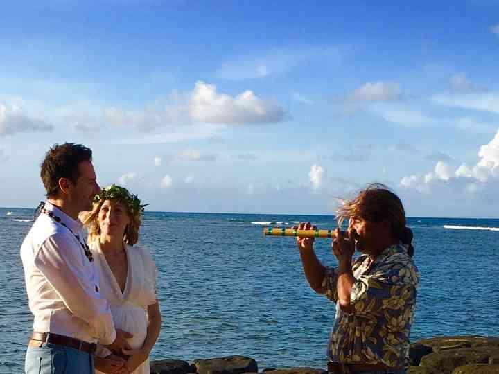 The wedding of Laura Scharmann and Hawaiian Wedding Minister Kauai 7
