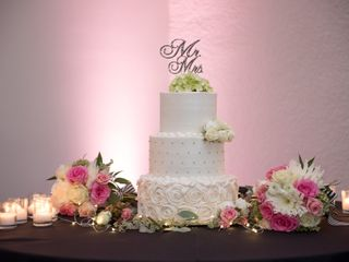 Lesley's Creative Cakes, Flowers & Catering 5