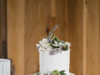 Michele's Corner Wedding Cakes 5