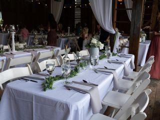 Country Creek Farmhouse Tables 2
