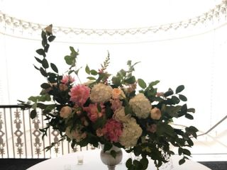 Petal's Edge Floral Design 5