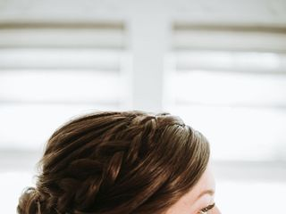 Gloss Makeup and Hair 4