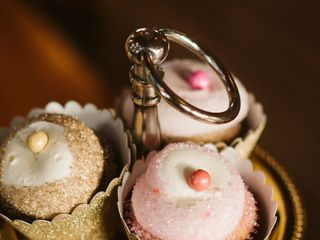 Lilly Magilly's Cupcakery 2